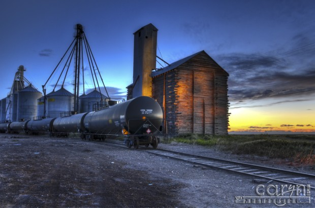 Caryn Esplin - Tracks: Light Painting and HDR