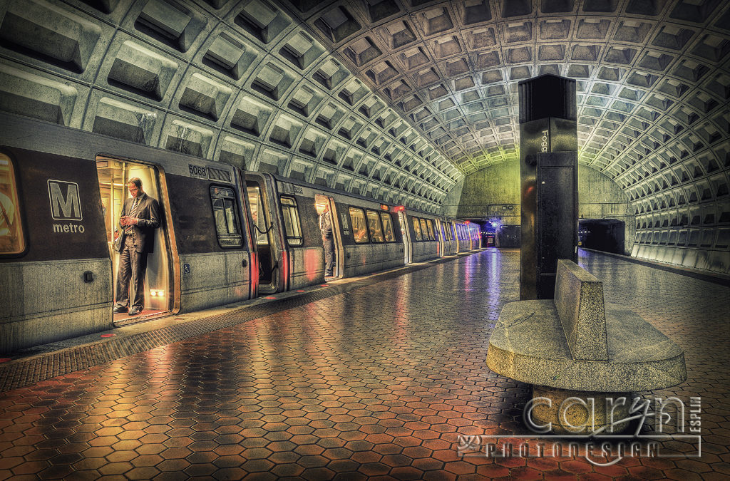 DC Metro – Rush Hour at Foggy Bottom Station